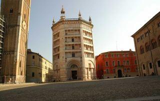 Parma, Battistero, esterno