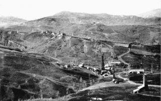 Foto storica della miniera petrolifera di Vallezza