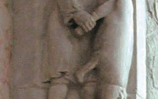 Macellazione del maiale, altorilievo del XII sec. (Parma, Cattedrale)